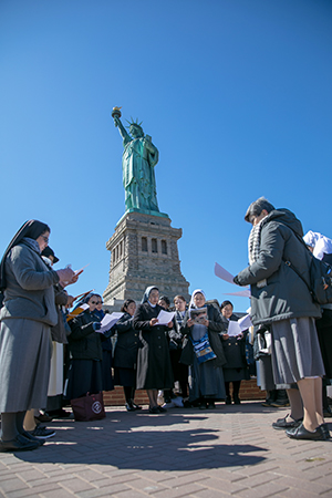Catholic sisters at the Statue of Liberty